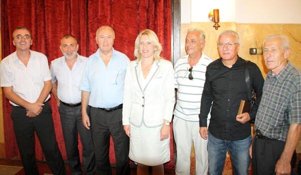 premijer srpske zeljka cvijanovic sa hercegovcima u srbiji