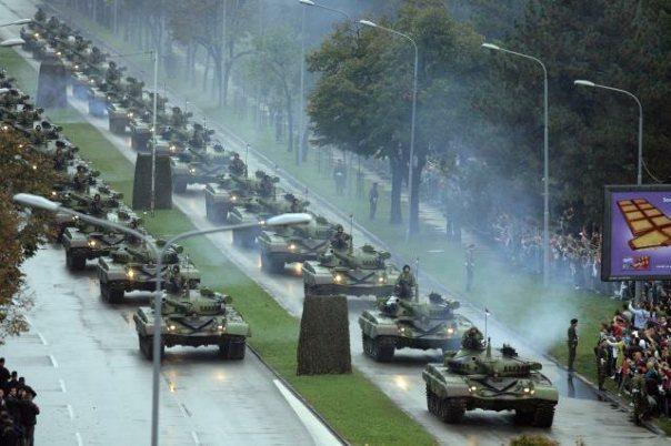 tenkovi vojna parada beograd 2014