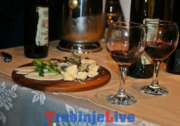 vece trebinjskog vina i folklora u herceg novom