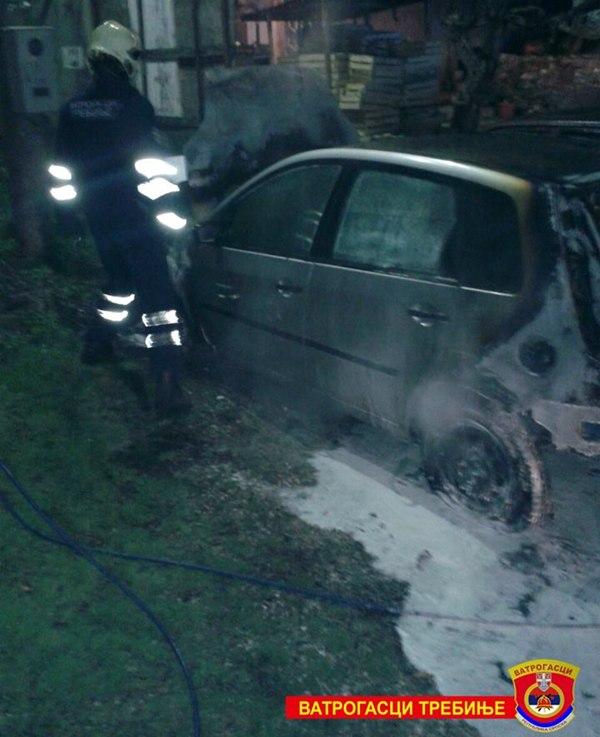 izgorio automobila police