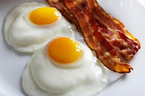 slanina jaja