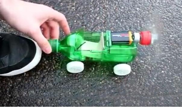 sam napravi automobil
