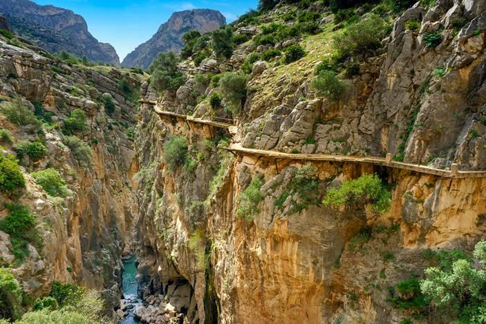 """Putić Kaminito del Rej odnosno, """"Kraljev mali put"""", najopasnija je staza na svijetu. Ime je dobila po španskom kralju Alfonsu XIII, koji je stazom prvi put prošetao"""