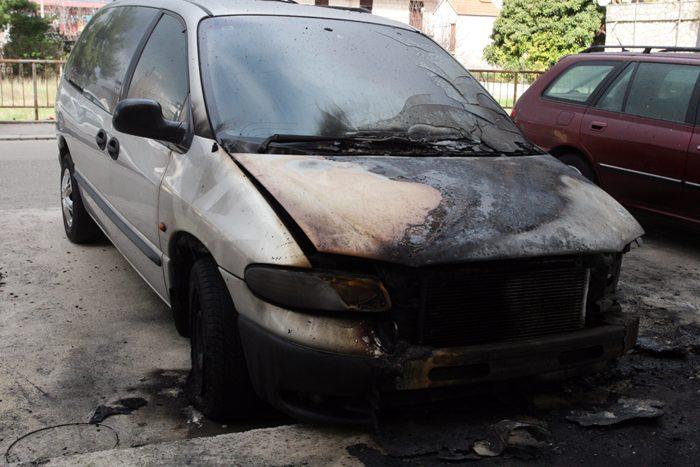 izgorio automobil trebinje