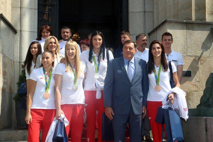 Dodik sa olimpijcima