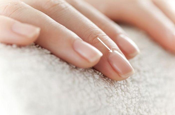 polumjesec-nokti