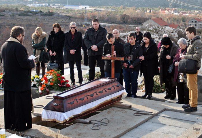sahrana novinar radivoje gutic (2)