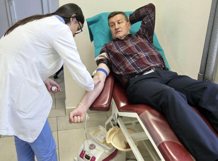 Novinari darivanje krvi