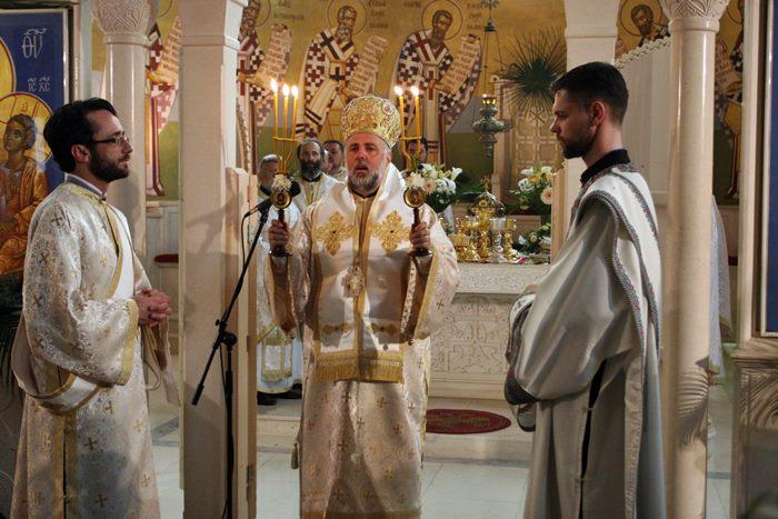 vaskrs liturgija u trebinju (1)
