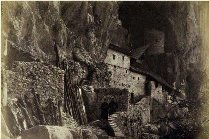 manastir ostrog stara fotografija