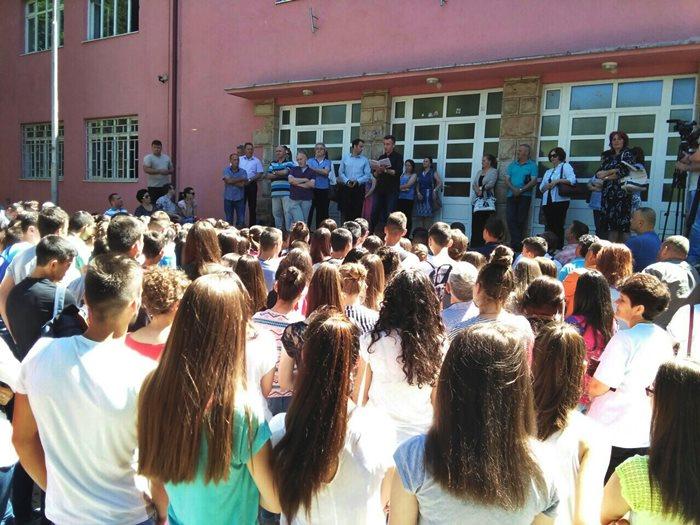 bileca strajk gimnazija (2)