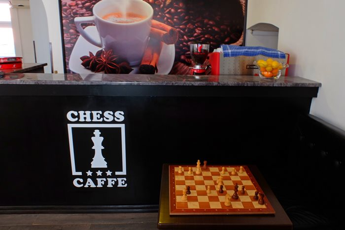 chess caffee