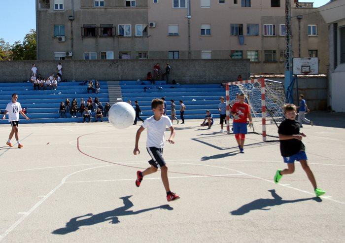 turnir mali fudbal sedmi razredi crveni krst