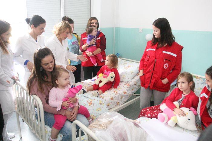 djeca bolnica igracke