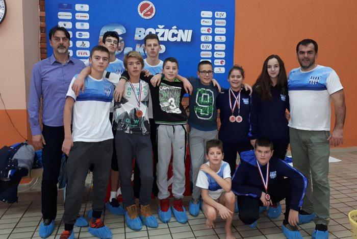Plivaci KVS Leotar 6. Bozicni kup u Mostaru