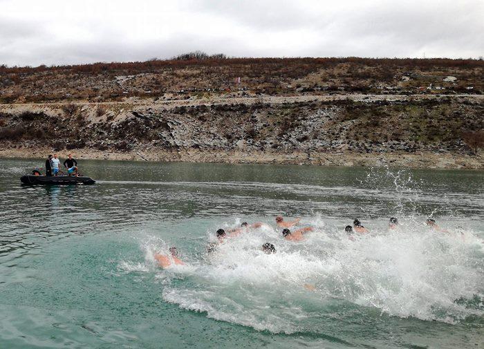plivanje za casni krst bilecko jezero