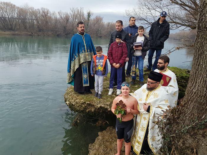plivanje za casni krst neretva mostar