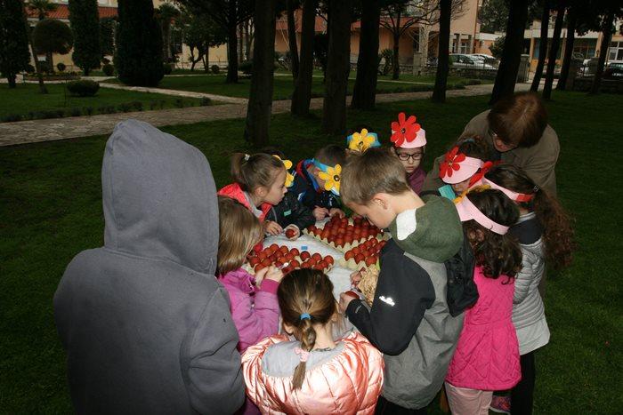 farbanje jaja trebinje vaskrs (1)